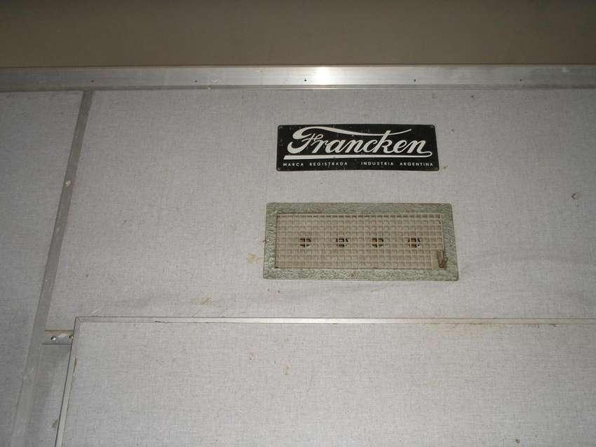 INCUBADORA NACEDORA,marca FRANCKEN,FAMAGRO,en Muy Buen estado,Poco uso 0