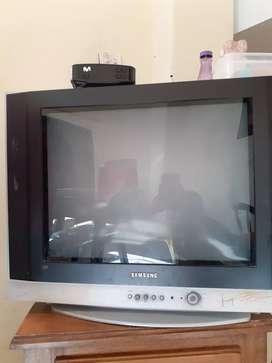 Televisor samsung slim fit