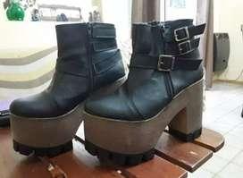 Zapatos tipo bota de plataforma talle 37/38