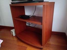 Mesa TV en madera