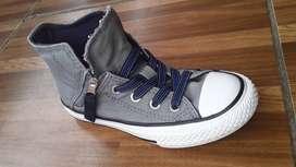Zapatos de niño, converse