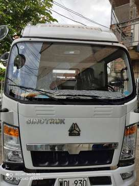 Vendo Camion SINOTRUK con 1500 Kms Precio Negociable