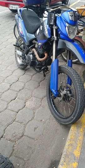 Se vende moto ranger 250