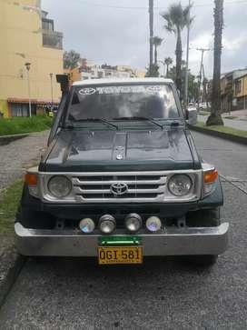 Toyota land cruiser 4500