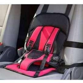 asiendo carro bebé, seguridad cinturon