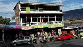 Locales comerciales con excelente ubicación, se encuentran en la zona más comercial de la zona