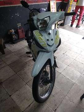 Vendo.moto Yamaha crypton 115 solo tarjeta seguro y tecno 3800000