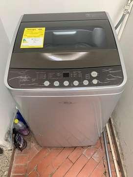 Se vende lavadora marca HACEB 8.5kg buen estado
