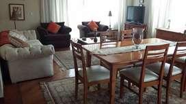 Rento lindo apartamento amoblado de 3 dormitorios cerca a La Floresta por la calle San Ignacio y 6 de diciembre