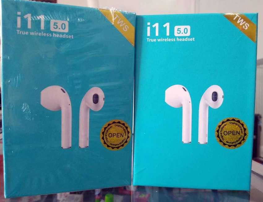 Audifonos Auriculares Bluetooth i11