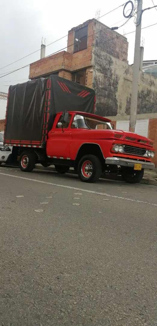 Camión Chevrolet apache