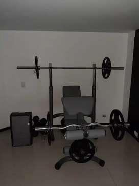 Banco multifuncional para entrenar todo el cuerpo