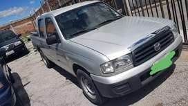 Vendo Mazda B2200 año 2006 precio 11500 Negociables