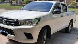 toyota hilux dx 2018 impecable 32 mil kms