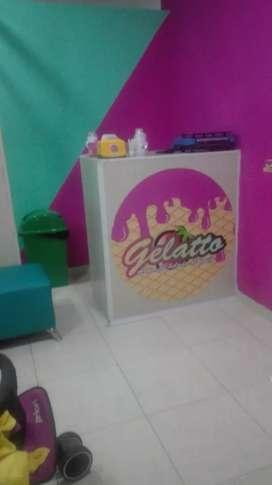 Se vende heladeria Autoservicio Acreditado Excelente punto