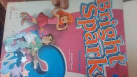 Libro de estudio Bright Sparks 3 Students book Macmillan CONSULTAR PRECIO