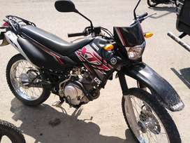 moto yamaha placa colombiana semi nueva papeles en regla esta en lago agrio