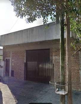 Casa en San Andrés 3 Ambientes cochera 4 autos fondo, parrilla