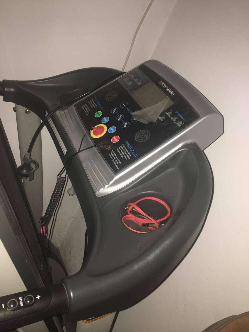 Caminadora eléctrica Ranbak casi nueva