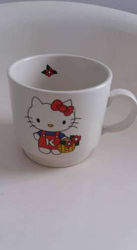TAZA HELLO KITTY ALTO 8 CM DIAMETRO 8CM