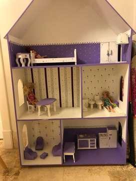 Casa para Barbie con Muebles Y Muñecas