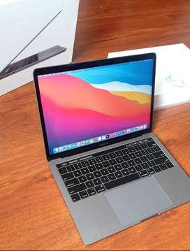 Macbook Pro 13 touch bar 2019 core i7 turbo 3,5ghz 8gb de ram 256 gb
