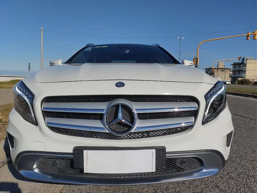 Mercedes-Benz  Clase GLA  200    Urban 1.6 Turbo 156 cv en Excelente estado,único dueño , tomo  permuta de mí interes.