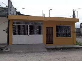HERMOSA CASA EN ESMERALDAS DE HORMIGON CON PROYECTO PARA 2 PISOS