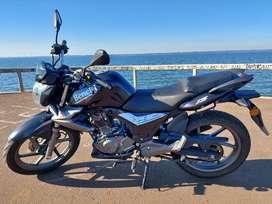 Vendo excelente moto !