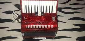 Se vende acordeon