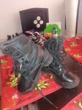 Botas de niño ejército