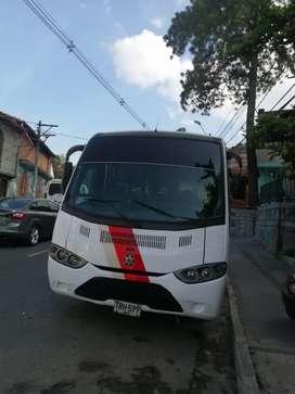 Buseta urbana Chevrolet npr 2011 de 31 puestos