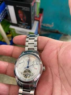 Se vende reloj fino automatico