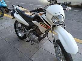 Honda XR 125  blanca 2012