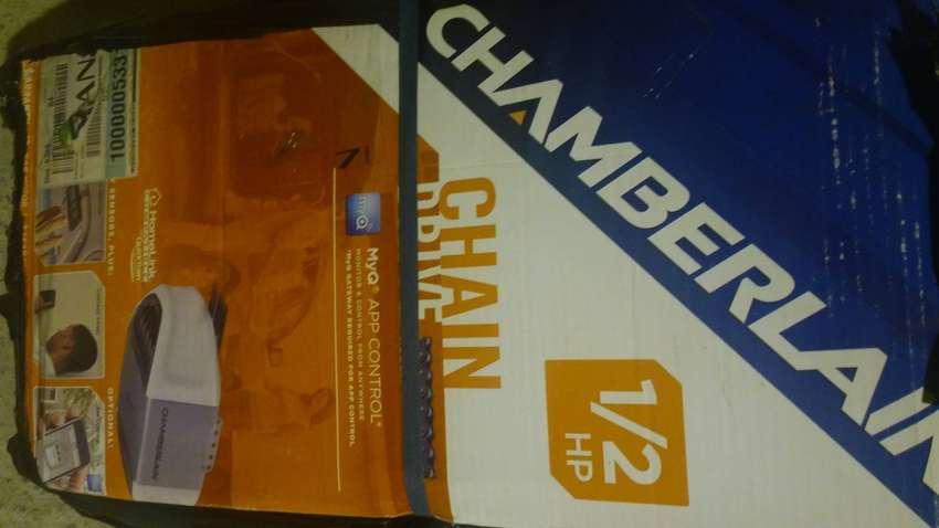 Vendo motor puerta garage marca chanberlain