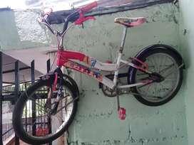 2 Bicicletas para niñas tipo Barbie