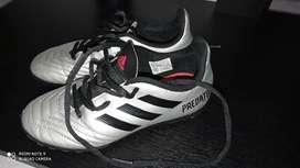 Vendo guayos Nike  originales talla 31 y zapatillas Adidas talla32