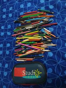 Colores para colorear, hay de toda clase, incluye la cartuchera