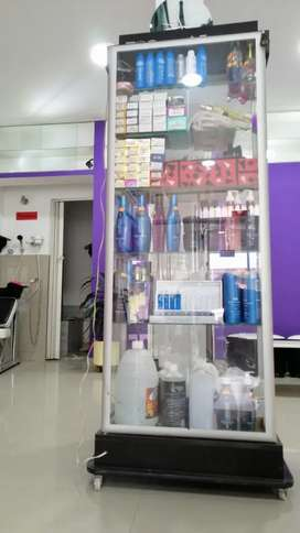 Remate Vitrina Marcel France TOTALMENTE surtida, tintes, shampoos, keratinas, crema para peinar, cuidado capilar