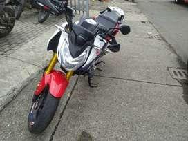 Vendo moto CBF190