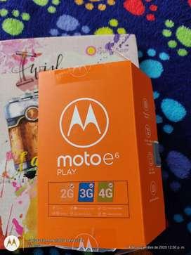 Motorola e6 en caja nuevo, lector de huella, 32GB interna expandible 256, camara de 13 MXP, libre