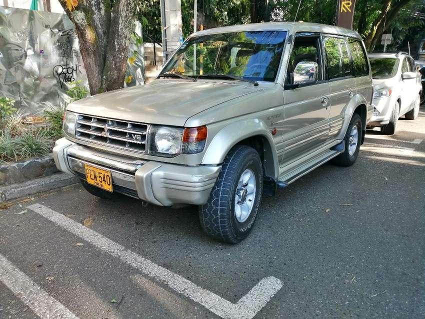Mitsubishi Montero 0