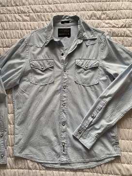 Lote de camisas cantidad 4, usadas de marca, bowen, herencia, vete al diablo