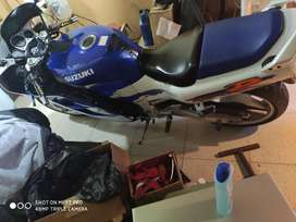 Vendo Suzuki gsxr 1100 inmaculada..