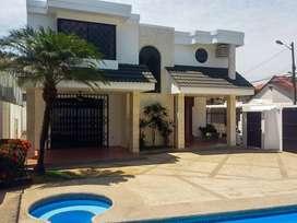 Alquiler de casa con piscina semi amoblada en Puerto Azul – Via a la Costa