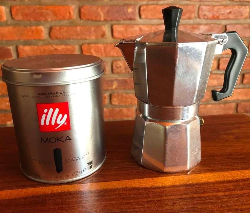 Cafetera italiana (Roma) + Café Moka illy 125 gr 0