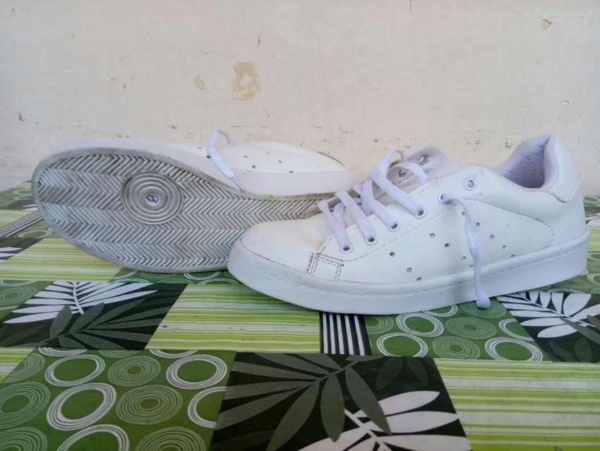 Zapatillas Blancas Talle 37_38 0