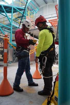 Cursos de Alturas Bogota Económico 3183379595 3138848134    (1)9277340 Escríbenos o llámanos