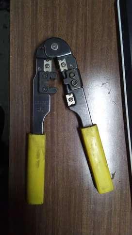 Vendo crimpeadora para ficha rj45 de cables de red