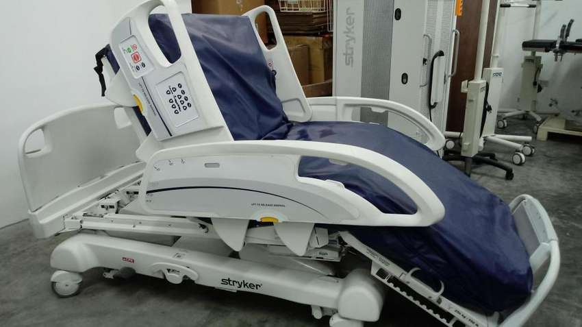 CAMA CLINICA ELECTRICA IN TOUCH STRYKER 0